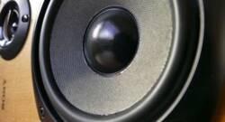 Превърнете YouTube в десктоп плейър с Headset